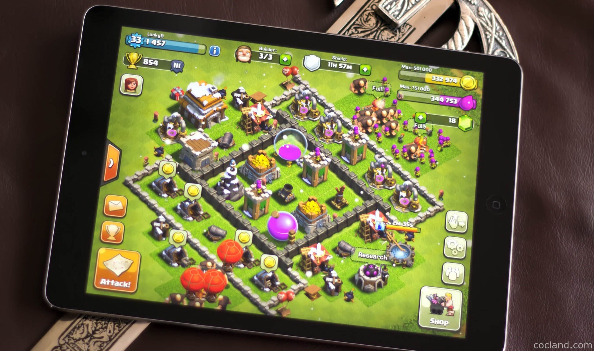 Play Clash of Clans on iPad